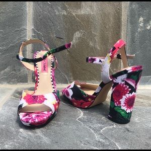Betsey Johnson floral chunky heel shoes